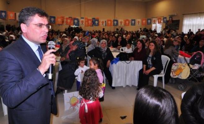 AK Parti'den Miting Gibi Kutlama