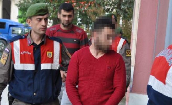 Alkollü vatandaşın 9 bin 500 lirasını çalan 2 kişi tutuklandı