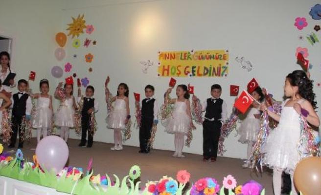 Anasınıfı Öğrencileri Anneler Günü'nü Kutladı