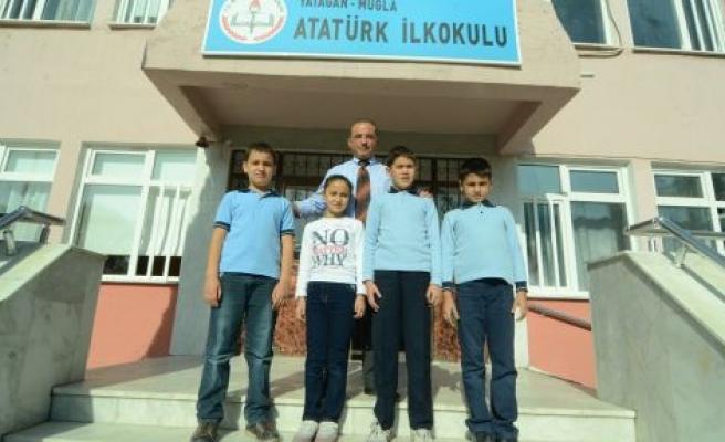 Atatürk İlkokulu'nda seçim heyecanı