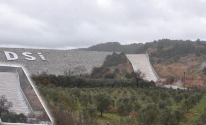 Bayır Barajı'nın suyu dolusavaktan taştı
