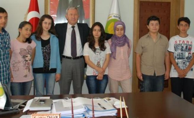 Bayır Belediye Başkanı Cumhur Çoban'dan BAŞARILI ÖĞRENCİLERE DESTEK