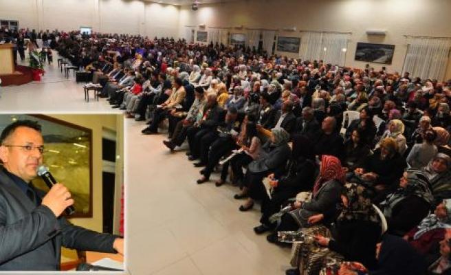 """Dekandan """"Peygamberimiz, Din ve Samimiyet"""" Konferansı"""