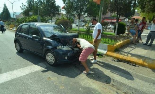 Garaj kavşağında kaza!