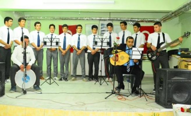Gazi Anadolu Lisesi'nden Kutlu Doğum Kutlaması