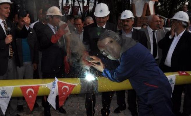 İlk doğalgaz Başkan'ın evine verilecek!