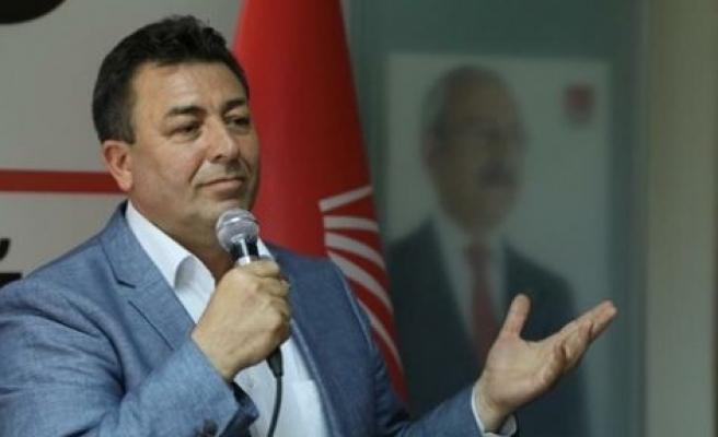 Kendisini eleştiren AK Parti İl Başkanı'na saklaması için mektup yazdı
