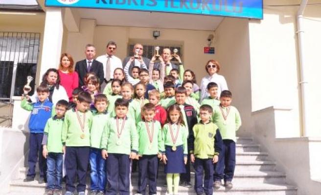 Kıbrıs İlkokulu Eli Boş Dönmedi
