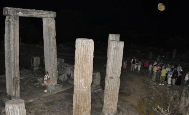 Lagina Kutsal Alanı'nda dolunayı izlediler