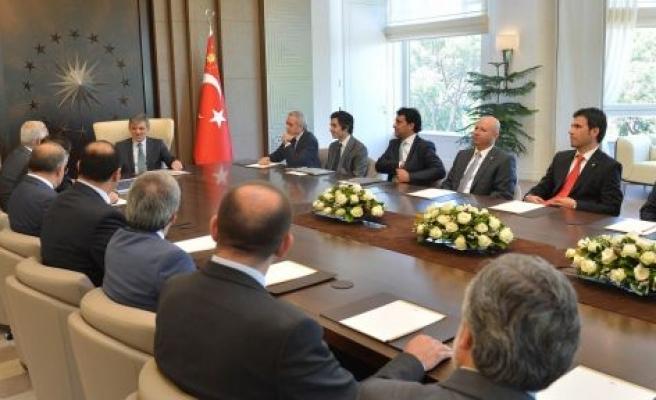 MÜSİAD Heyeti Cumhurbaşkanı Abdullah Gül'le Görüştü