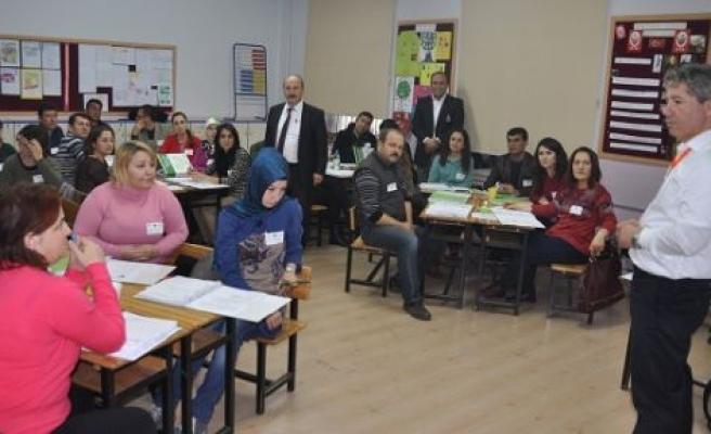 Öğrenen Lider Öğretmen Semineri düzenlendi