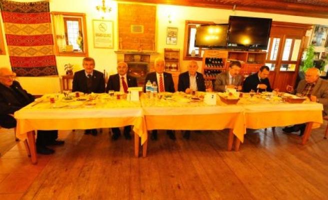 Osman Gürün Yatağanlılarla Kahvaltıda Bir Araya Geldi