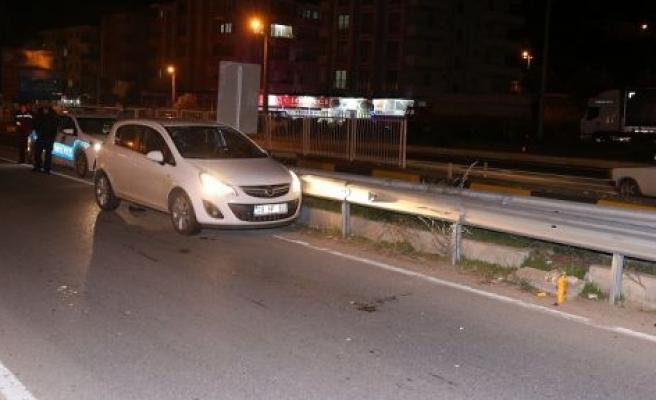 Otomobil yayaya çarptı: 1 yaralı