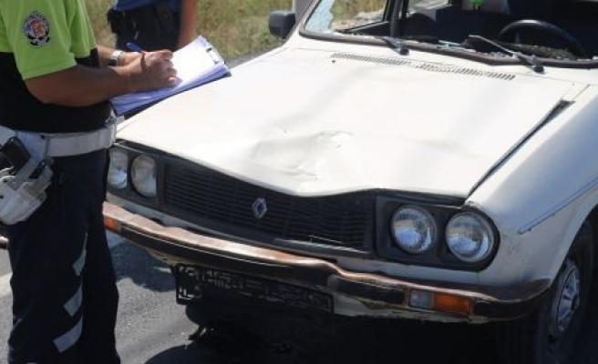 Otomobilin çarptığı 84 yaşındaki adam öldü