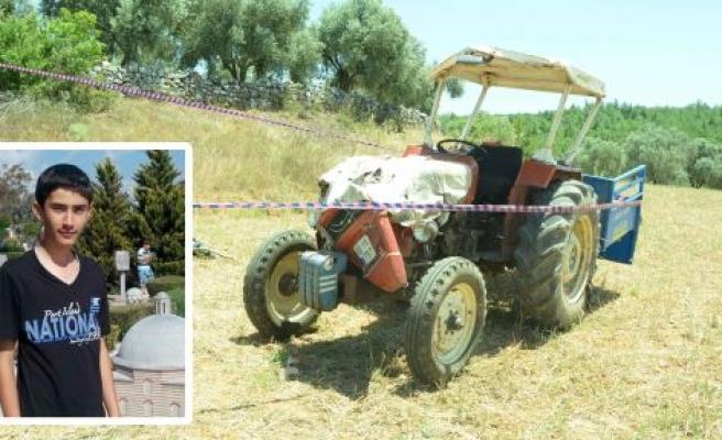 Traktör şarampole yuvarlandı: 1 ölü, 4 yaralı