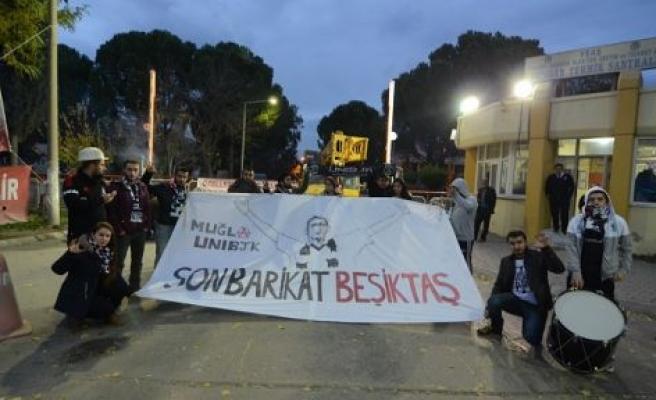 Üni BJK'den direnişe destek