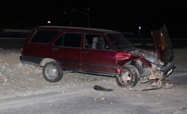 Yapım çalışmasındaki yolda kaza: 4 yaralı