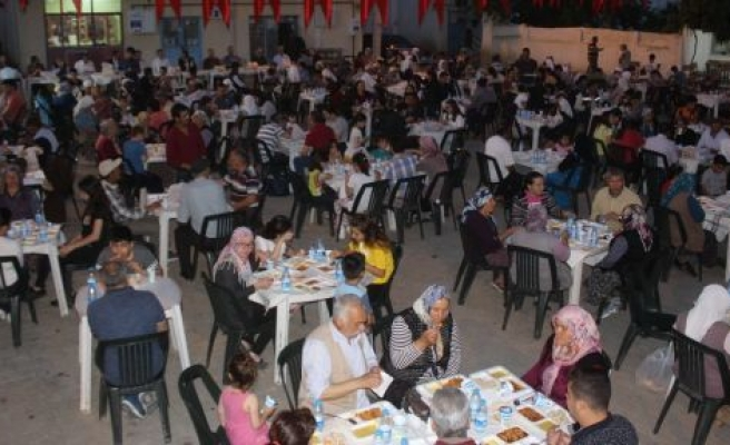 Yatağan Belediyesi, Madenler'de iftar sofrası kurdu