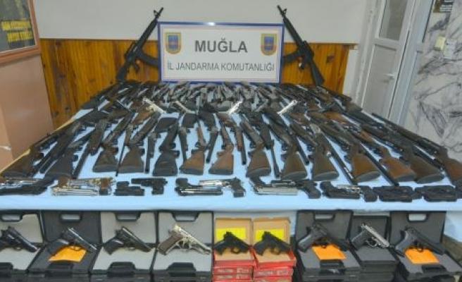 Yatağan jandarması 189 silah ele geçirdi