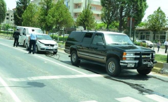 Yatağan'da maddi hasarlı zincirleme kaza