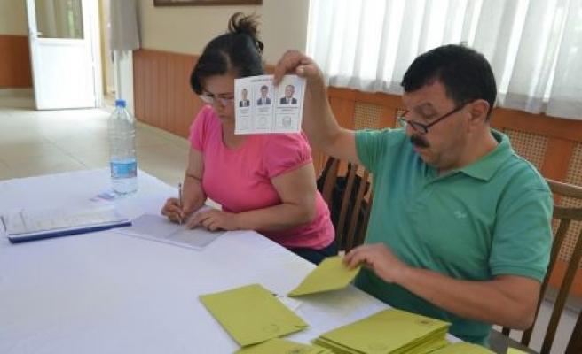 Yatağan'da oy sayımına başlandı