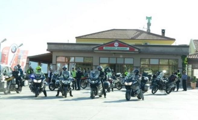Yatağan'dan 60 lüks motosiklet geçti