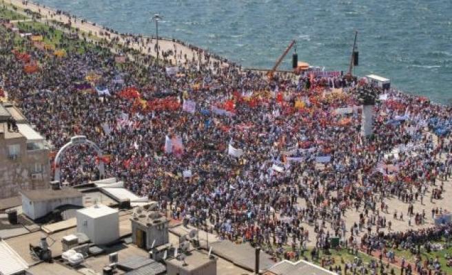 Yatağanlı İşçiler Meydanları İzmir'de Dolduracak
