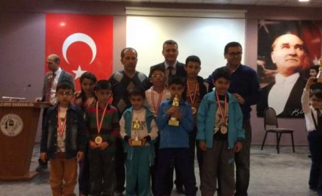 Yatağanlı satranççılar Milas'tan da eli boş dönmedi