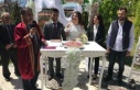 Yeni başkan ilk nikahını kıydı