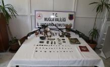 Derslerine çalışan tarihi eser kaçakçıları, gözaltına alındılar