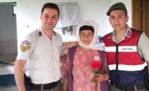 Jandarma, şehit annelerini unutmadı