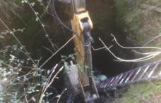 Kuyuya düşen buzağıyı itfaiye ve fen işleri ekipleri kurtardı