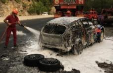 Sakar Geçidi'nde Türk rallicilerin aracı yandı