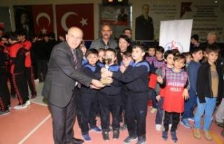 91 takımın satranç müsabakaları Yatağan'da...