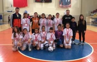 Fatih'in futsalcı kızları Türkiye yarı finallerinde
