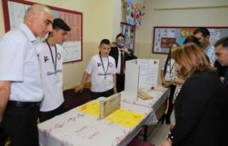 Fatih Ortaokulu'nda 4006 TÜBİTAK Bilim Fuarı...