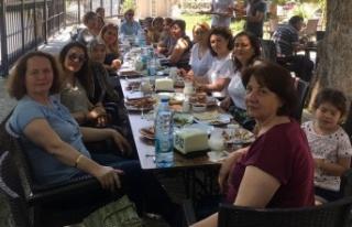 CHP Kadın Kolları ve gönüllüleri, Çayboyu'nda...