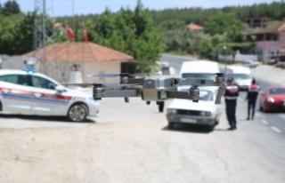 Jandarmadan Kavak'ta drone ile trafik denetimi