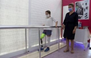 Bacağı kesilen 9 yaşındaki Aylin protez bacağa...