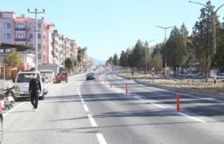 İnönü Bulvarı'nın yeni yolu, trafiğe açıldı