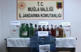 Jandarmadan bandrolsüz içki operasyonu: 2 gözaltı