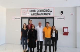 Başhekimden Demircioğlu Ailesine Plaket
