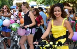 """""""Süslü Kadınlar Bisiklet Turu""""nun 9'uncusu..."""