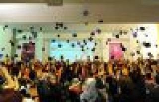 4500 Öğrencinin Mezuniyet Sevinci