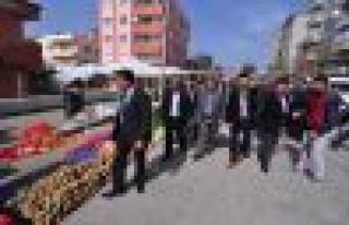 AK Parti'den Cumartesi Pazarına Çıkarma