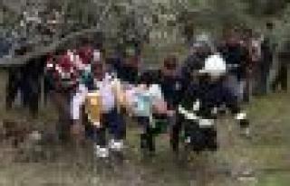 Vardiyaya giden işçileri taşıyan servis kaza yaptı:...