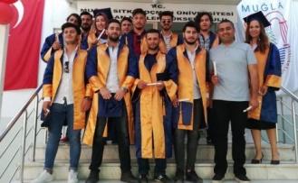 Meslek Yüksek Okulu'nda mezuniyet heyecanı