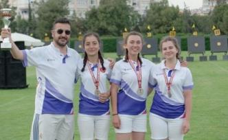 Bencikli okçular, Antalya'dan 1 rekor, 4 gümüş madalyayla döndü