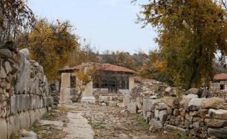 Gladyatörler Şehri, sonbaharda bir başka güzel