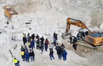 Milas'ta 4 işçi göçük altında kaldı